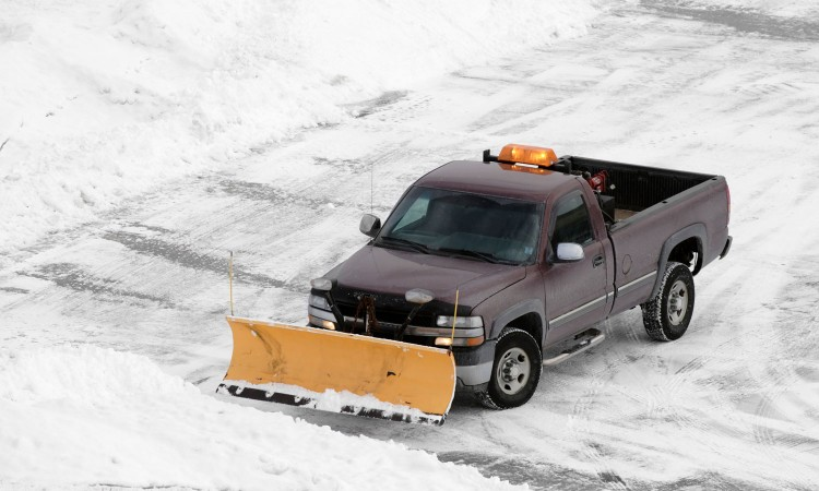 parking-lot-plowing